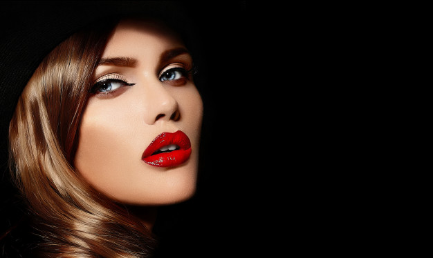 Women With Glossy Lips